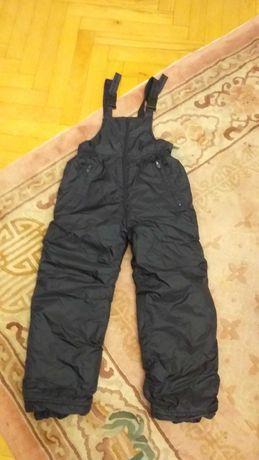 Spodnie na narty,sanki 134