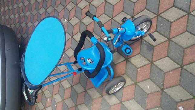 Rowerek trójkolowy z daszkiem