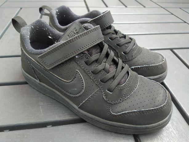 Tenis Nike tamanho 32