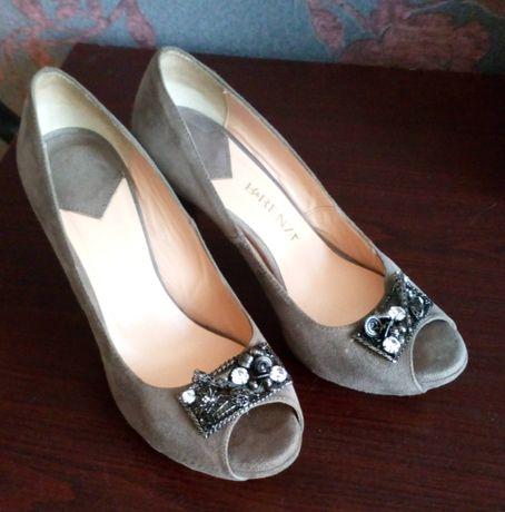 Итальянские замшевые туфли 35 р