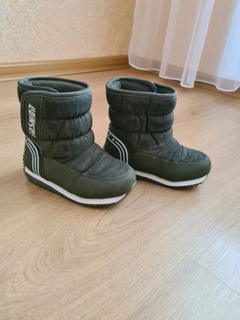 Продам взуття зимове