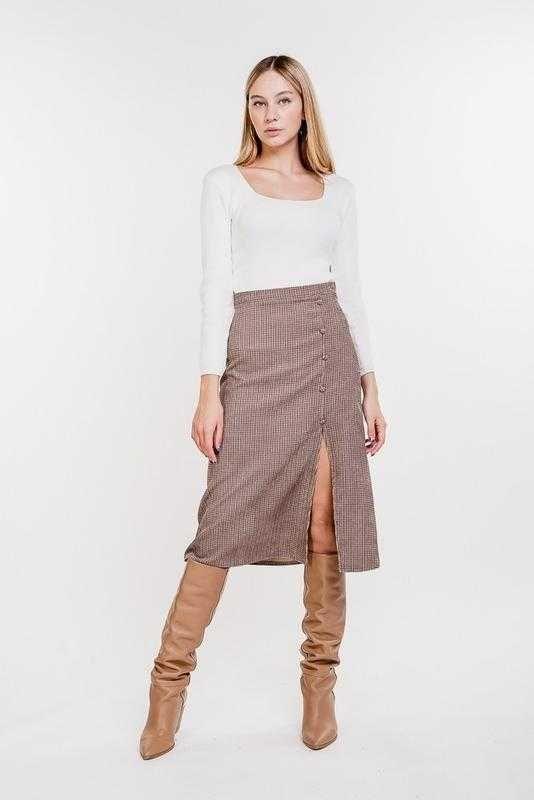 Вельветовая юбка-миди с разрезом бежевая в рыжие лапки