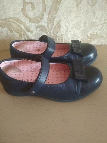 Кожаные туфли балетки Kangol 32р.