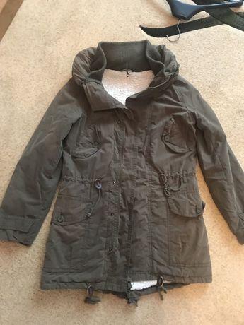 Жіноча осінньо зимова куртка . 44 розмір.
