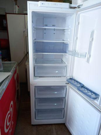 Excelente frigorifico samsung