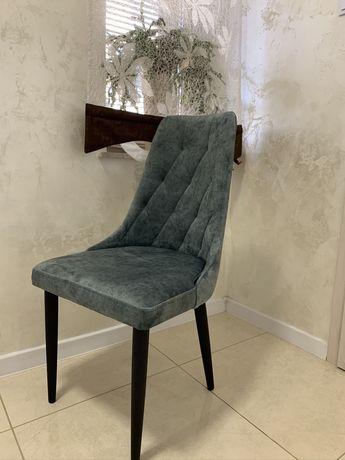 Krzesło tapicerowane w stylu skandynawskim