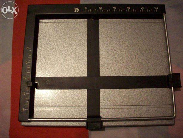 рамка фотографическая кадрирующая 18х24см