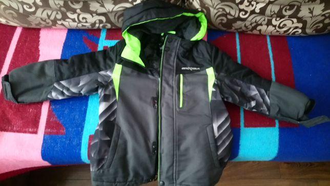 Зимово - осіння -весняна куртка на хлопчика 3 в 1 на вік 5-7 років