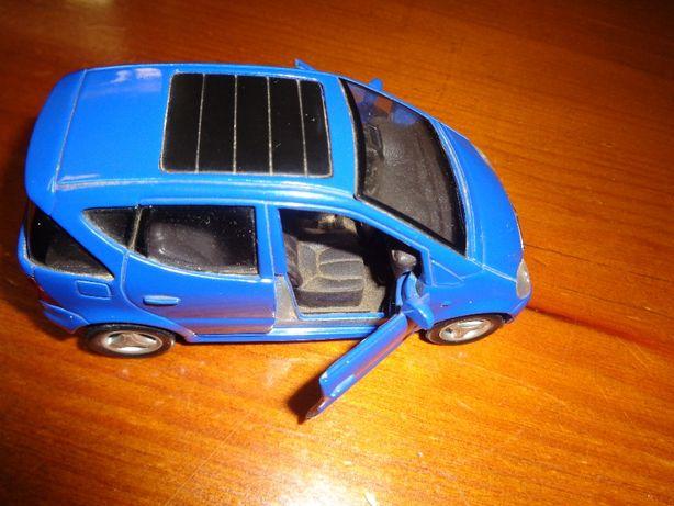 Carro Miniatura Mercedes Benz A.Classe 1/43 Maisto Azul Metal