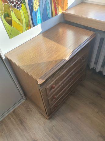 Stojąca szafka z szufladami