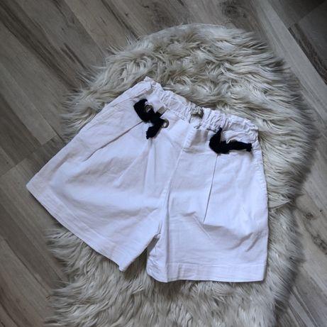 Krótkie spodenki Zara XS/34 białe kokardy granatowe wysoki stan