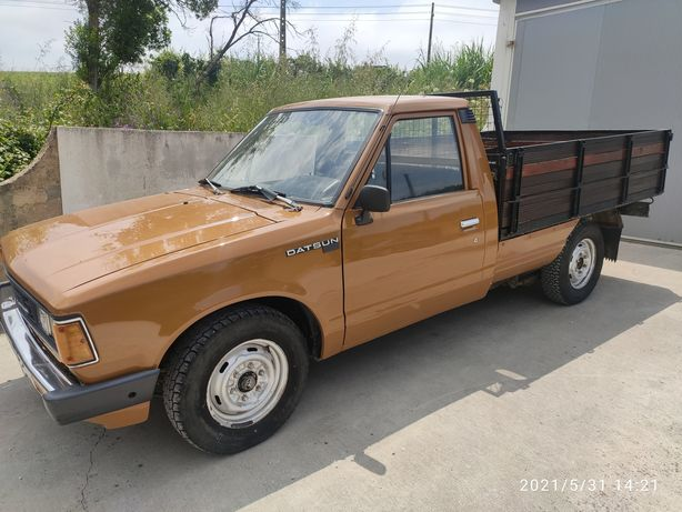 Datsun 720 pick up  80 mil km