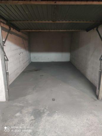 Garagem no centro da Marinha Grande