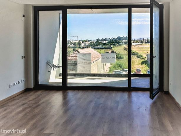 Apartamento T2 Com garagem fechada, novo, Estrada de Vilar, Aveiro
