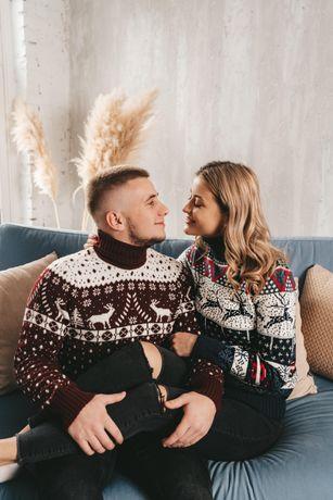 Парные свитера с оленями для влюбленных;)