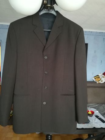 Czarny garnitur 182/108/90 z kamizelką