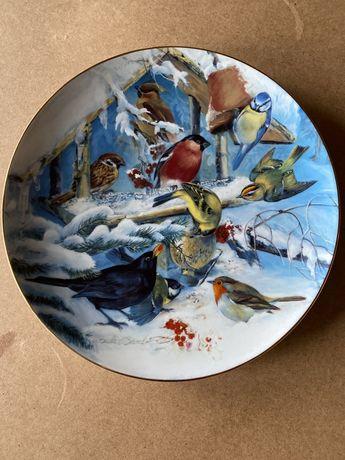 Винтаж: Фарфоровые коллекционные декоративные настенные тарелки .