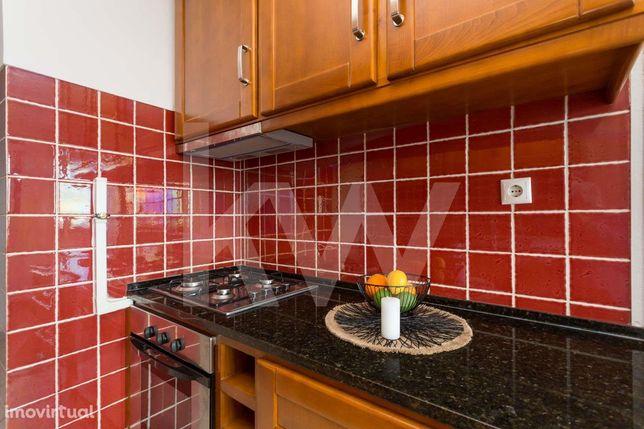 Apartamento T2 em Monte Abraão para arrendar com vista fabulosa