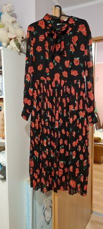 Sukienka Orsay w czerwone róże rozmiar 40
