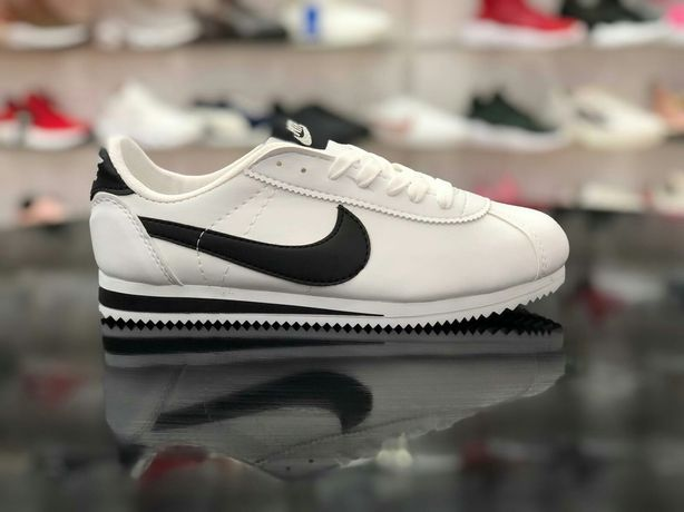 Buty Nike Cortez. Rozmiar 41,42,43,44. Kolor bialo czarny. Polecam