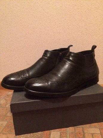Продам мужские кожаные ботинки в очень хорошем состоянии.