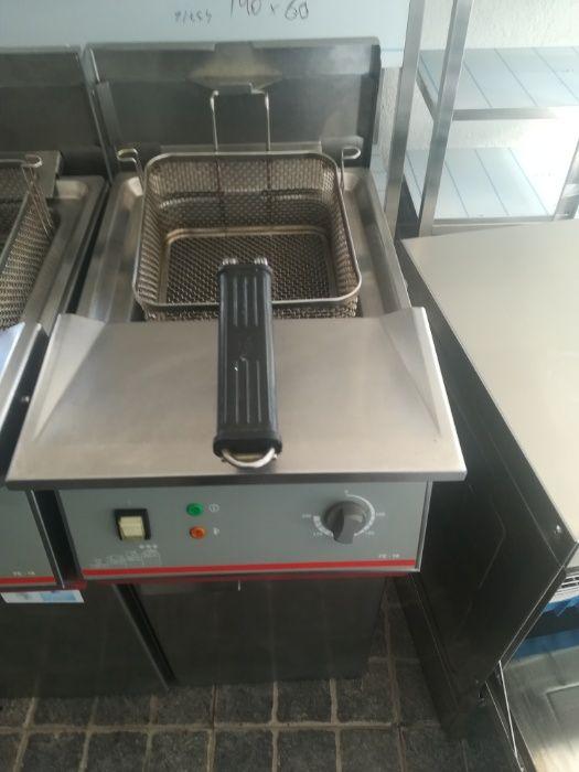 ACM910 - Fritadeira com cuba de 18 litros. Trifásica.