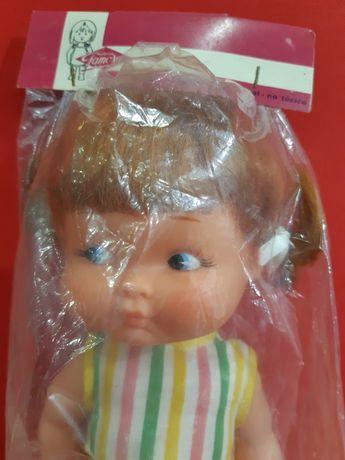 Antiga boneca da Famosa ainda na embalagem