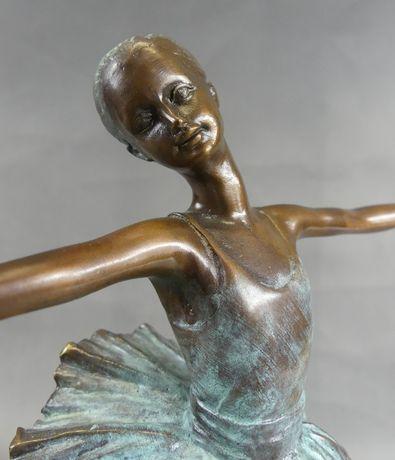 BALETNICA tancerka figura sygnowana RZEŹBA