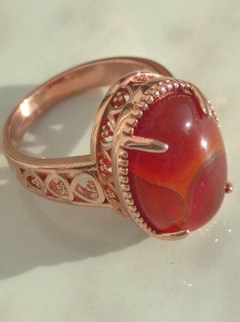 Кольцо с сердоликом.