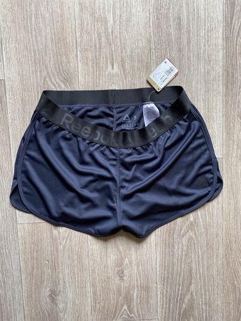 Reebok женские  шорты оригинал S размер adidas