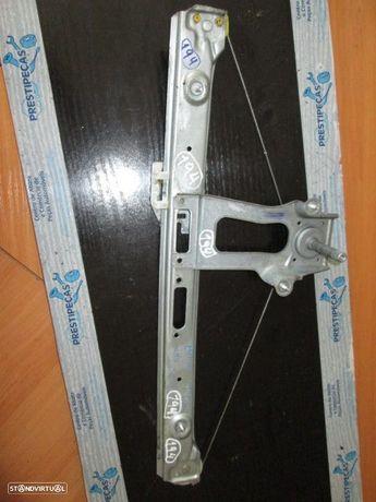 Elevador manual 7011206 BMW / E46 / 2000 / 4P / TD /