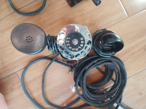 Stary telefon- słuchawka