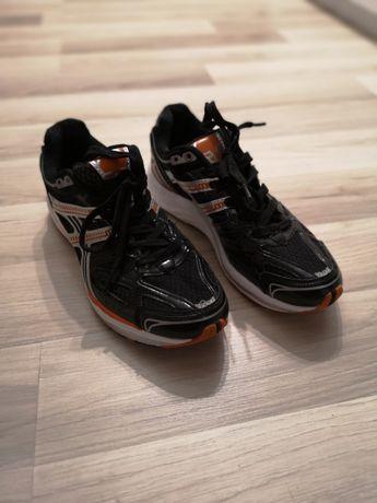 Nowe buty do biegania, sportowe