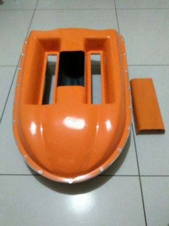 Łódka zanętowa-kadłub