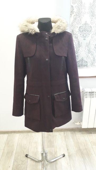 Płaszcz płaszczyk damski z kapturem L/40