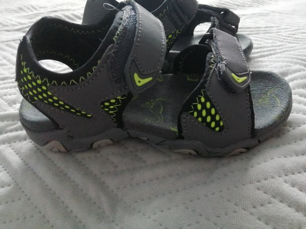 Nowe Sandały chłopięce