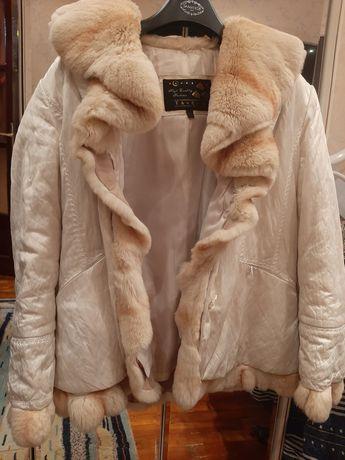 Продаётся женская курточка на натуральном меху