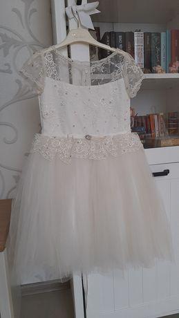 Платье нарядное на 6лет