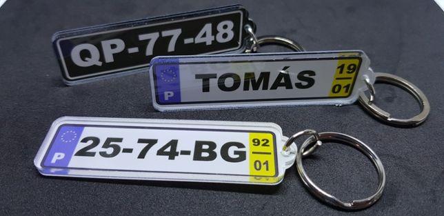 Porta-chaves matrícula personalizada.