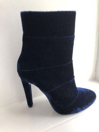 Продам ботинки женские не Gucci Zara Casadei