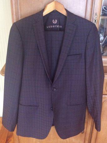 Чоловічий костюм Lubecker(Італія)(Молодіжний,випускний)(Розмір-42)