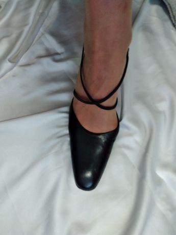 Новые.Туфли женские р 39-40. Натуральная кожа. barni firenze