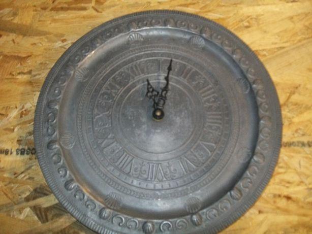 Zegar Kwarcowy W Kształcie Talerza