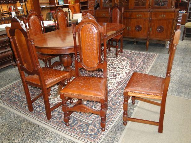 Cadeiras em madeira e couro - Antigas mas em óptimo estado - Valor uni