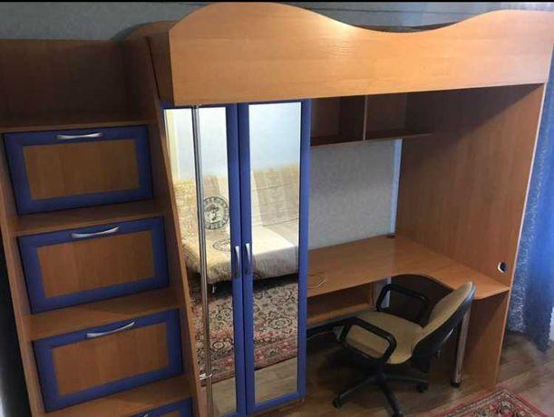 Кровать-чердак(шкаф,стол)
