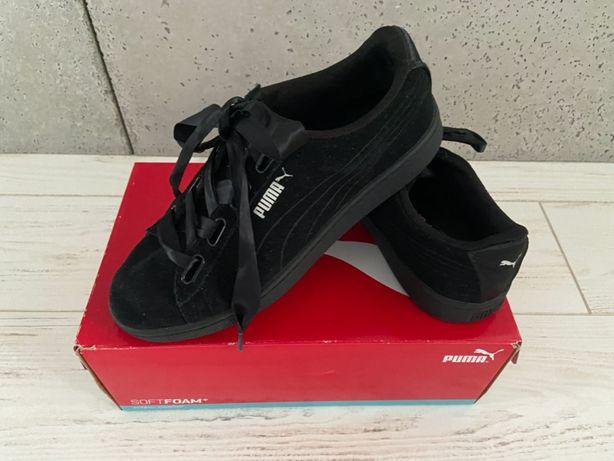 Puma - czarne dziewczęce buciki w rozm. 38.5