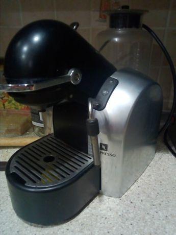 Продается кофеварка nespresso d 290 б/у