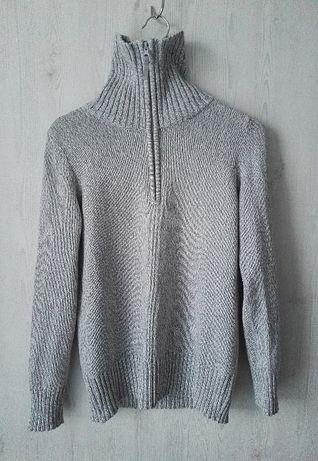Ciepły sweterek ze stójką