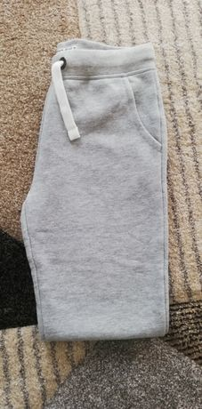 Nowe spodnie ocieplane 146/152