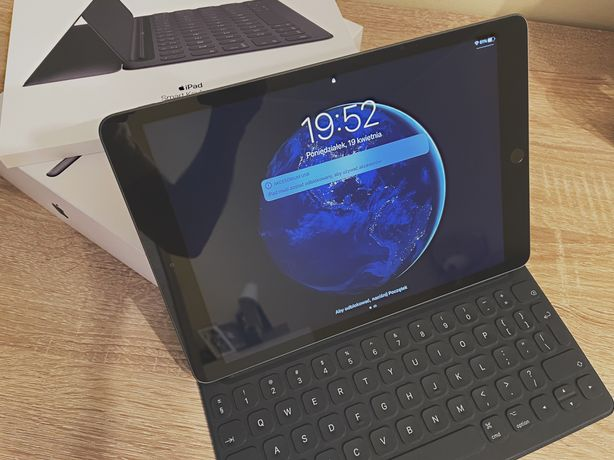 iPad 10,2 Wi-Fi 32 GB + Apple Keyboard | Stan idealny